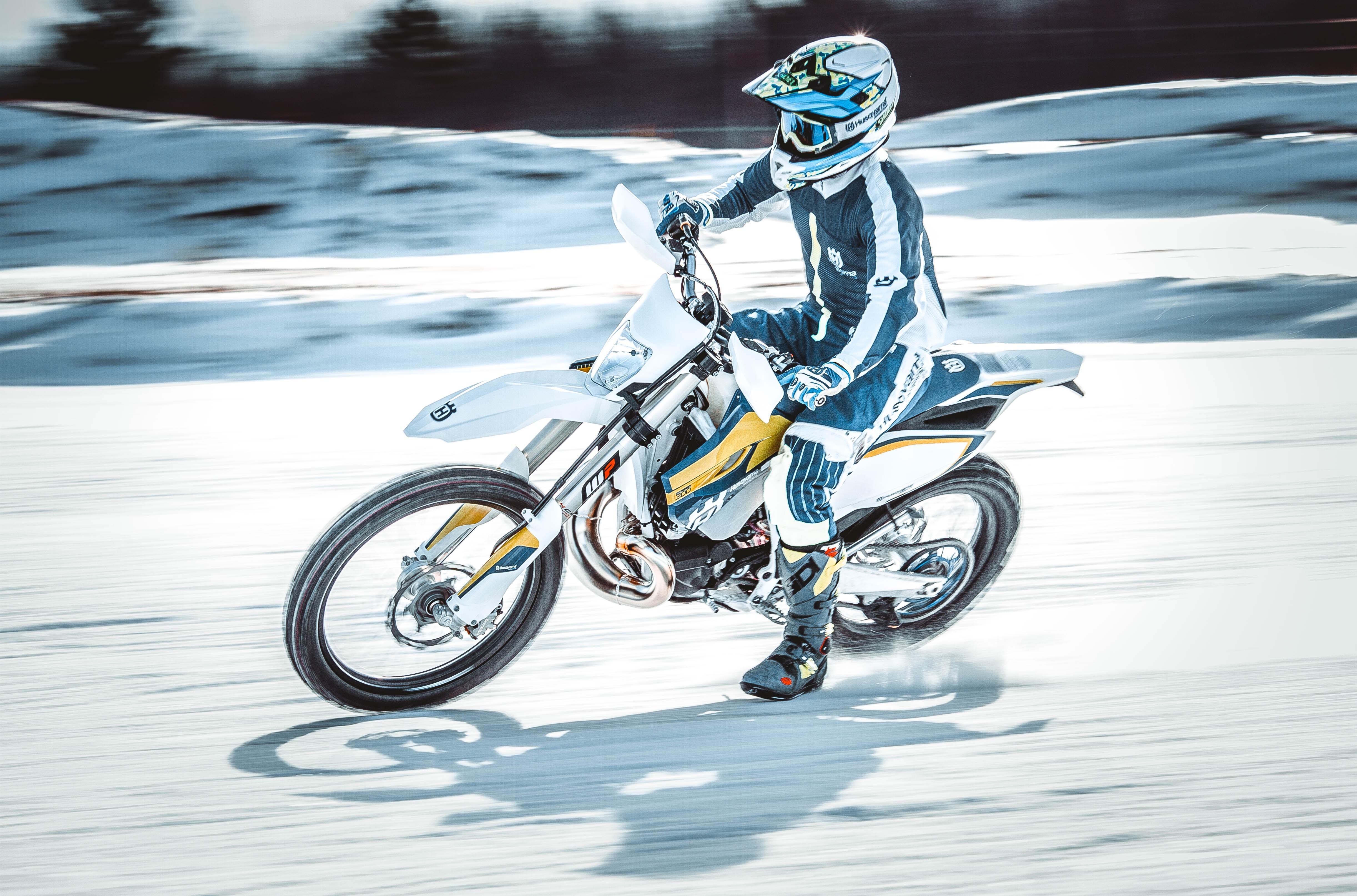 Les 5 conseils pour utiliser sa moto par temps froid for Deplacer sa moto dans un garage